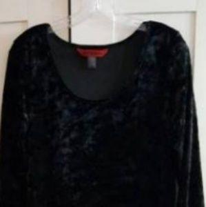 New never worn size 2x crushed velvet black dress